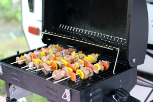 Grilling marinated chilli & lime beef & pepper kabobs