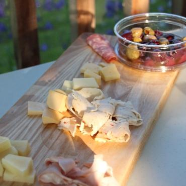 A Botana served up on an Ashwurks glampy wooden platter!